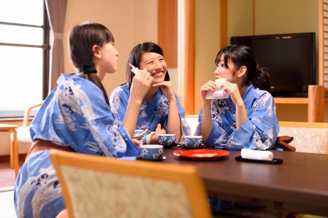 ◆グループ割◆4名以上で最大1,620円割引 / 【気仙沼海鮮ハーフバイキング】+牛タン&和牛陶板付